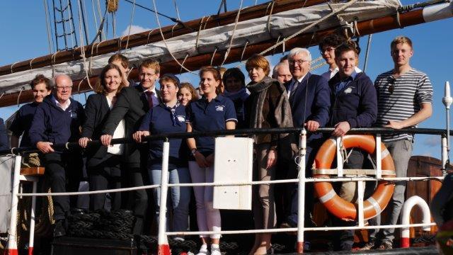 Bundespräsident Frank-Walter Steinmeier Hat Die Thor Heyerdahl Besucht